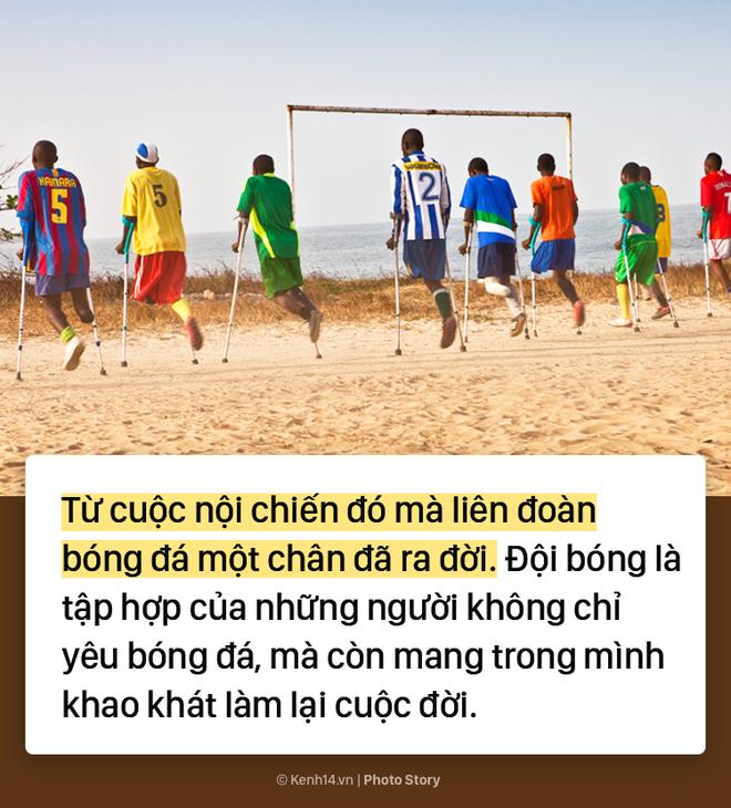 Đội bóng 1 chân tại Châu Phi chứng minh sức mạnh kinh khủng của bóng đá - Ảnh 5.