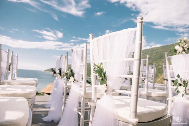 Nhà văn Gào chia sẻ nhiều thông tin thú vị về đám cưới như mơ ngay sau tiệc cưới hoành tráng trên bờ biển - Ảnh 2.