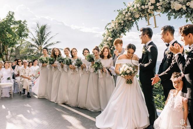Nhà văn Gào chia sẻ nhiều thông tin thú vị về đám cưới như mơ ngay sau tiệc cưới hoành tráng trên bờ biển - Ảnh 13.