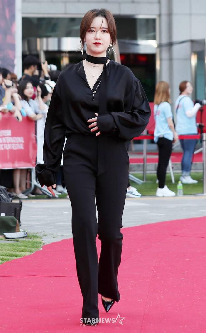 Goo Hye Sun giảm 10 kg trong 1 tháng, lột xác ngoạn mục trên thảm đỏ - ảnh 3