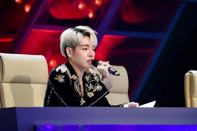 The Debut: Đức Phúc, Hoàng Thùy Linh bị nhắc nhở vì không quyết liệt bảo vệ thí sinh - Ảnh 2.