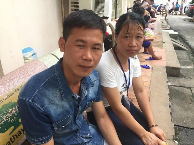 Con trai nghèo bất lực nhìn cả bố và mẹ đau đớn vì ung thư: Người nằm nhà, người ở viện chờ chết 2