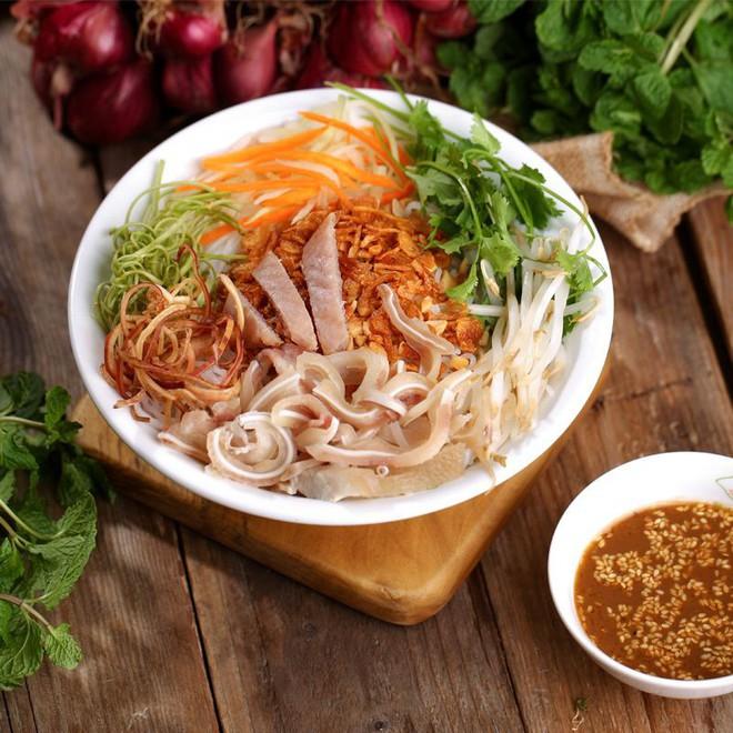 """Chỉ mặt điểm tên những món ăn đặc trưng xứ Huế vẫn đang """"làm mưa làm gió"""" tại Hà Nội - Ảnh 3."""