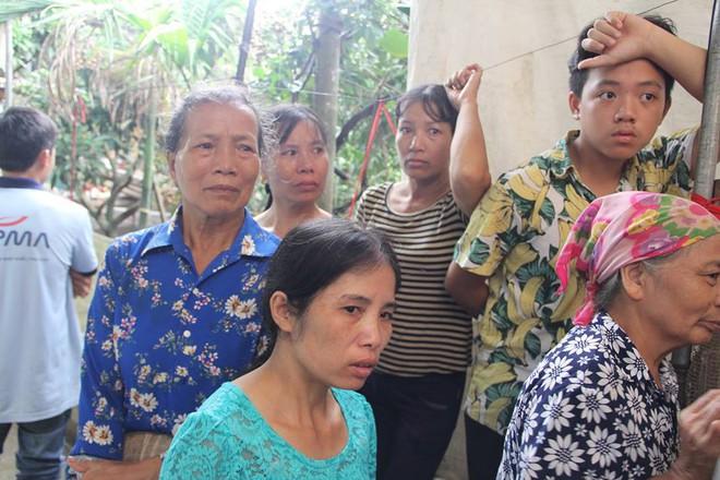 Vụ vợ chồng bị sát hại ở Hưng Yên: Người thân, hàng xóm khóc nghẹn ngào
