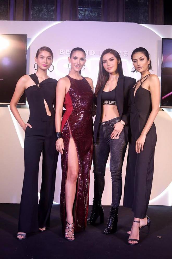 """Minh Tú - Rima Thanh Vy cuối cùng cũng có bức hình chung tại họp báo """"Next Top châu Á"""" - Ảnh 6."""