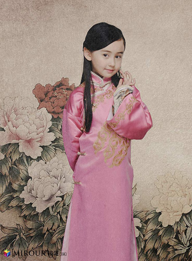 Vẻ xinh xắn như thiên thần của Sophia Cai.
