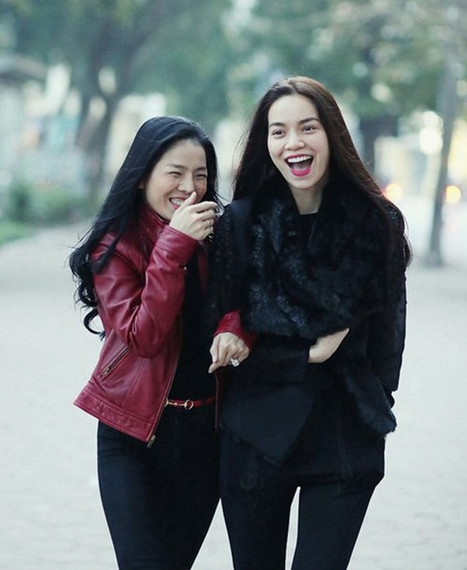 Từng thân thiết như chị em một nhà, thế mà cũng có ngày những mỹ nhân Vbiz này lơ đẹp nhau giữa sự kiện - Ảnh 1.