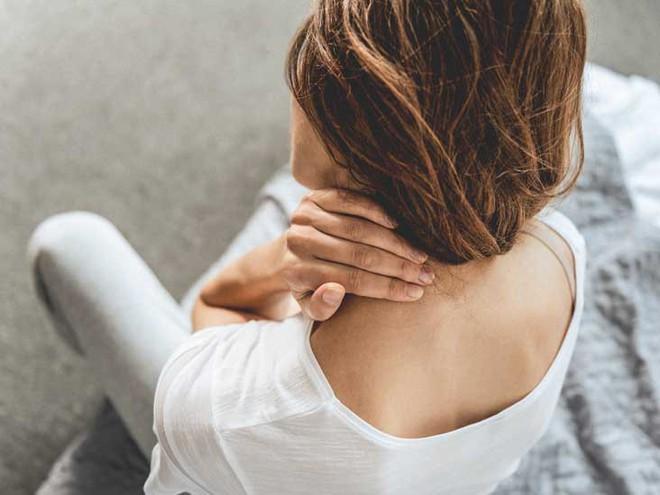 Đừng bỏ qua những dấu hiệu đau cổ, chúng đang báo động các căn bệnh bên trong đấy - Ảnh 5.