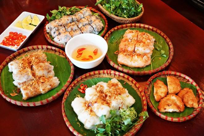 Chỉ là bánh cuốn thôi mà ở Hà Nội cũng đã có muôn vàn kiểu ăn khác nhau - Ảnh 6.