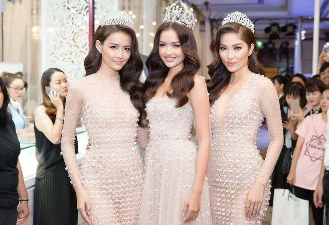 Top 3 Miss Supranational Vietnam cùng đội vương miện, lần đầu xuất hiện nổi bật giữa sự kiện - Ảnh 4.