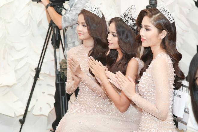 Top 3 Miss Supranational Vietnam cùng đội vương miện, lần đầu xuất hiện nổi bật giữa sự kiện - Ảnh 5.