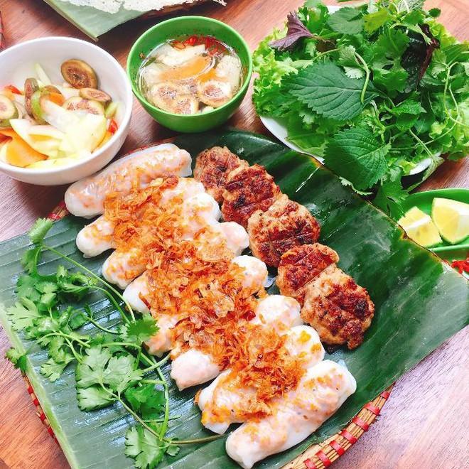 Chỉ là bánh cuốn thôi mà ở Hà Nội cũng đã có muôn vàn kiểu ăn khác nhau - Ảnh 5.