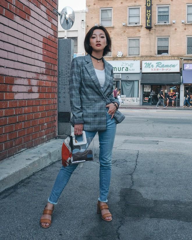 5 công thức biến hóa với quần jeans mà các nàng cứ diện lên là đẹp và chất - Ảnh 4.