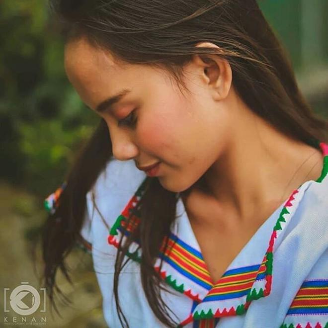 Cuộc đời sang trang của cô bé ăn xin bỗng dưng nổi tiếng vì xinh như thiên thần - Ảnh 14.