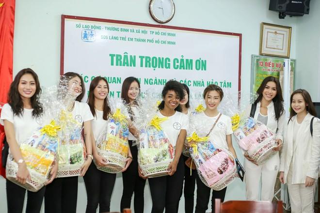 Minh Tú cùng dàn thí sinh Miss Supranational Vietnam hạnh phúc khi nhận được nhiều tình cảm của trẻ em làng SOS - Ảnh 5.