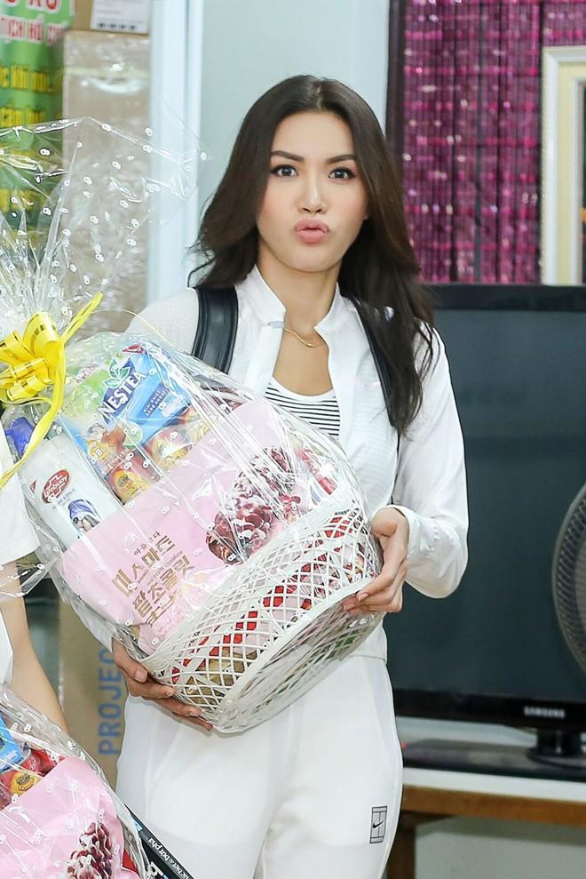 Minh Tú cùng dàn thí sinh Miss Supranational Vietnam hạnh phúc khi nhận được nhiều tình cảm của trẻ em làng SOS - Ảnh 4.