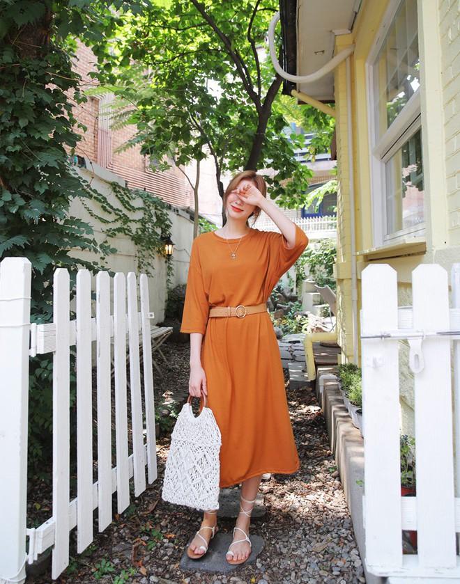 4 công thức diện đồ kinh điển nhưng không hề nhàm chán giúp các nàng công sở mặc đẹp suốt cả mùa thu năm nay - Ảnh 3.