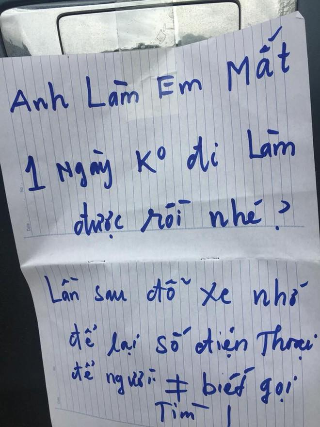 Bị đỗ xe chắn lối ngay trước cửa nhà và mẩu giấy nhắn lịch sự của chủ nhà: 'Bác làm em mất một ngày đi làm rồi nhé!' 2