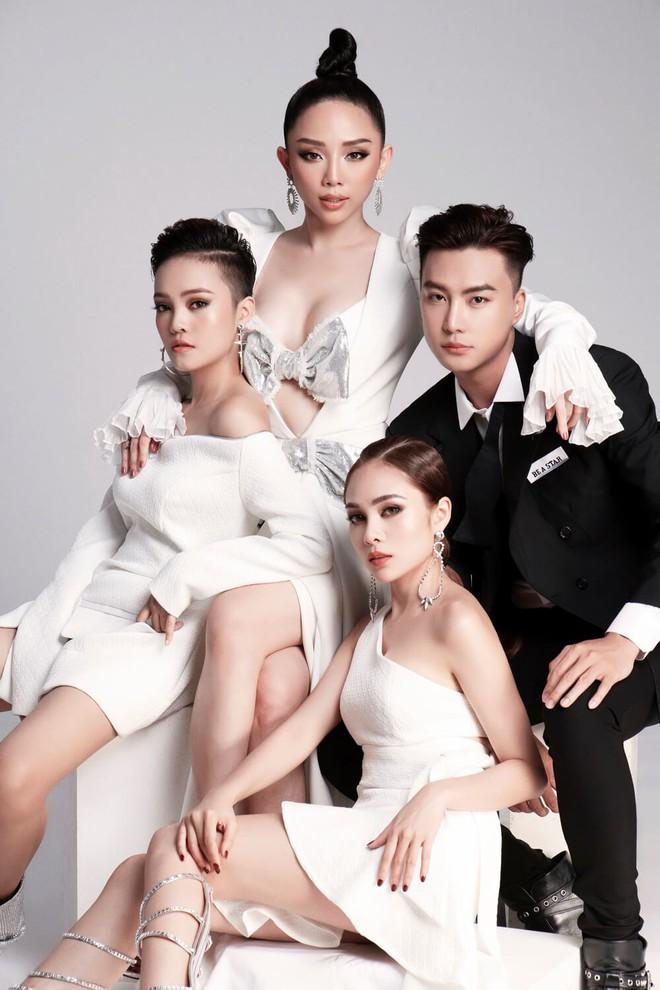Top 3 Team Tóc Tiên cá tính, quyến rũ trong bộ hình ra mắt trước thềm vòng Chung kết Giọng hát Việt - Ảnh 1.