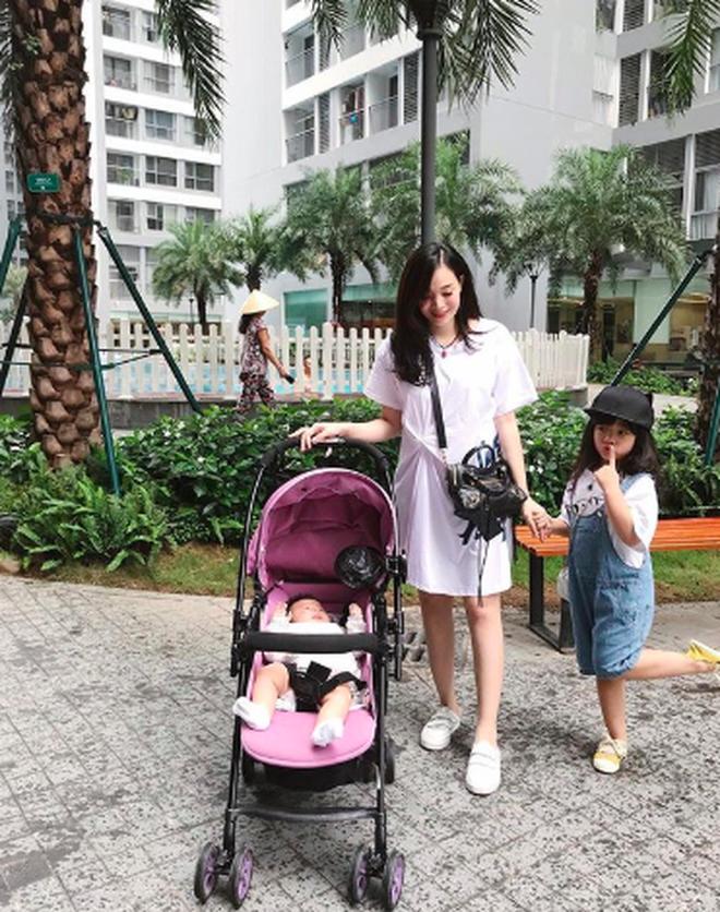 Hội mẹ bỉm sữa hot nhất Hà thành: Ai cũng xinh đẹp và quyến rũ trông mòn con mắt dù đã một nách 2 con - Ảnh 13.