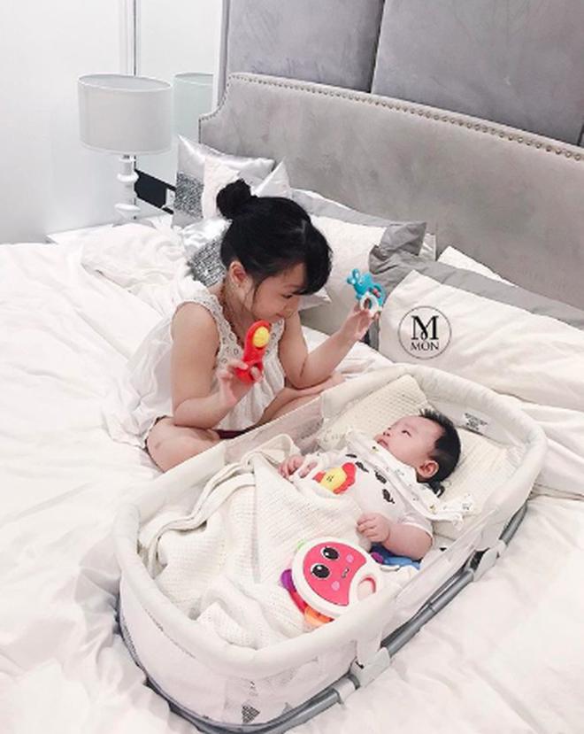 Hội mẹ bỉm sữa hot nhất Hà thành: Ai cũng xinh đẹp và quyến rũ trông mòn con mắt dù đã một nách 2 con - Ảnh 12.