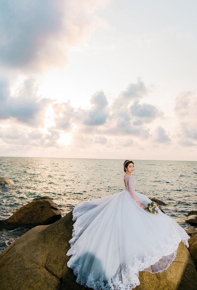Hoa hậu trả vương miện Đặng Thu Thảo ngọt ngào khoá môi vị hôn phu trong ảnh cưới - Ảnh 8.