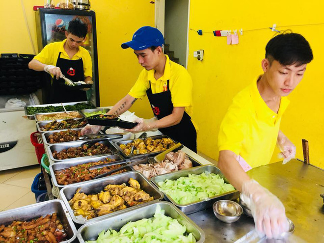 Đủ loại cơm trưa ship quanh khu Duy Tân cho hội văn phòng lựa chọn, có cả nơi ship lên tận phòng làm việc 1