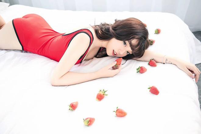 Trong các streamer nữ Việt Nam, ai là người sở hữu thân hình và phong cách gợi cảm nhất? - Ảnh 8.
