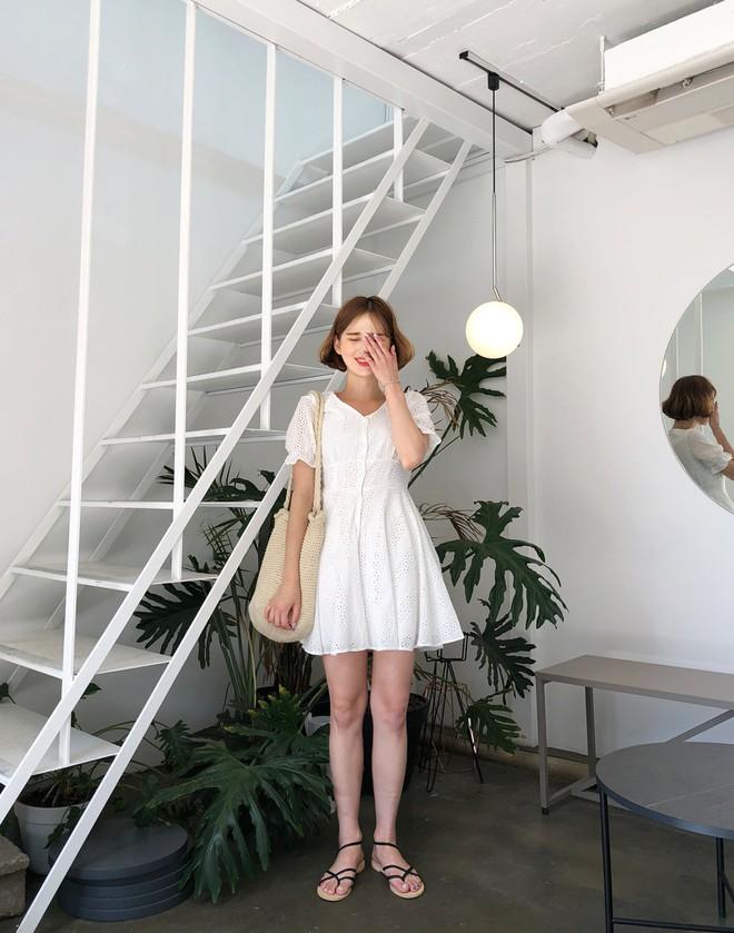 Chỉ cần có sẵn 5 món đồ này trong tủ váy áo là các nàng có thể hô biến vẻ ngoài trẻ trung ngay tức thì - Ảnh 4.