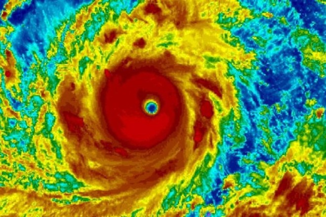 Siêu bão Mangkhut mạnh tương đương siêu bão Haiyan năm 2013 từng gây thảm họa 7000 người chết - Ảnh 1.