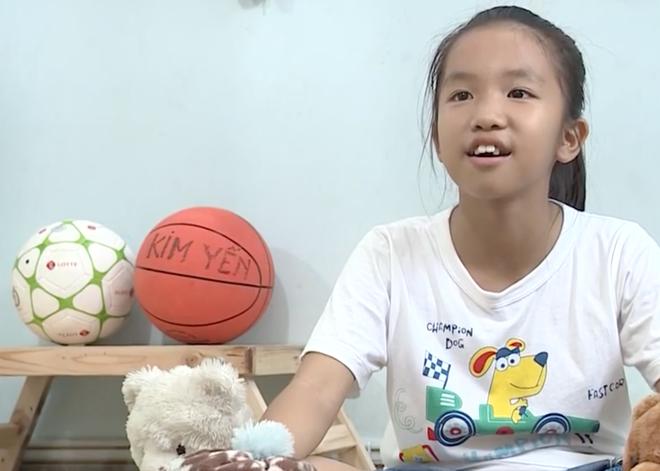 Con trai cầu thủ Đinh Hoàng Max khiến Hòa Minzy, Hiếu Hiền nghẹn ngào tại Cầu thủ nhí 2018 - Ảnh 4.