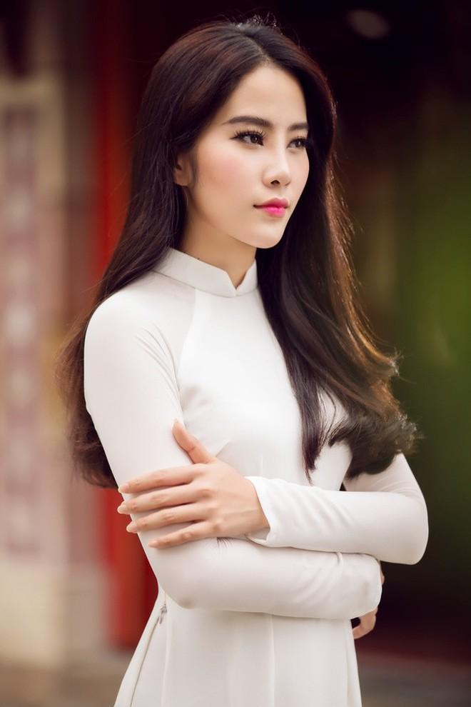Màn tăng cân gây sốc trên thảm đỏ Hoa hậu Việt Nam: Từ Nam Em (M) sao thành Nam XL nhanh quá thế này? - Ảnh 3.