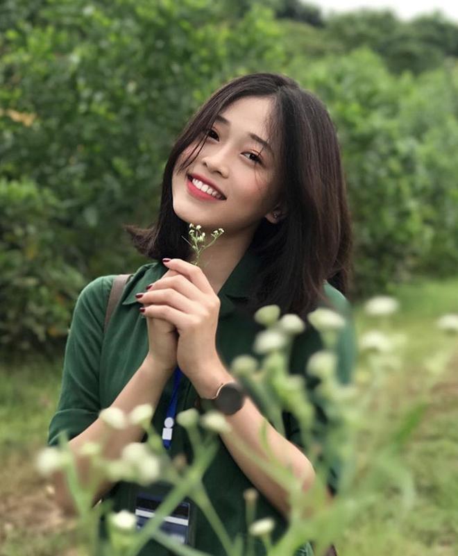 Hoa hậu Trần Tiểu Vy và Á hậu Bùi Phương Nga thời đi học ai xinh hơn? - ảnh