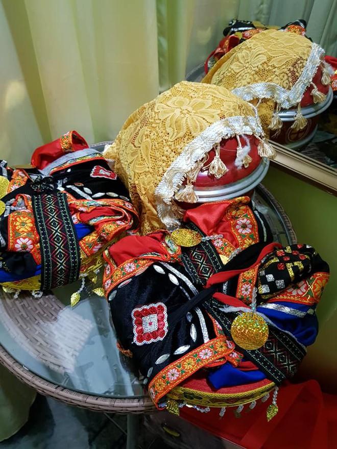 Đám cưới của cô dâu 62 tuổi và chú rể 26: Mẹ chồng khoác áo truyền thống cho con dâu, hỏi sao vẫn chưa chịu gọi bà là mẹ - Ảnh 1.