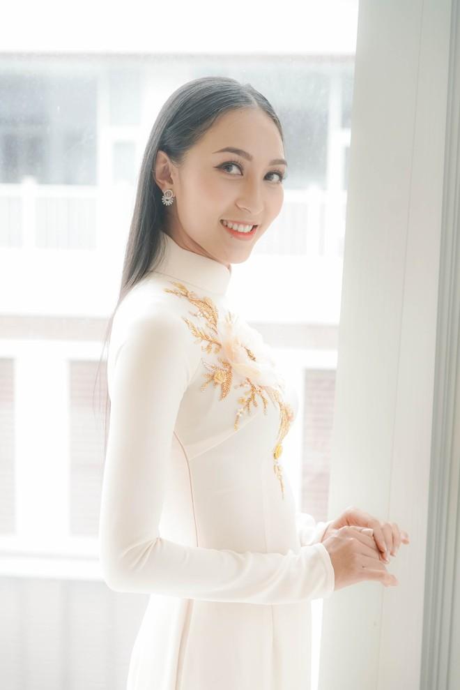 Đám hỏi Lan Khuê, dàn phù dâu toàn các chân dài The Face Việt Nam - ảnh 16