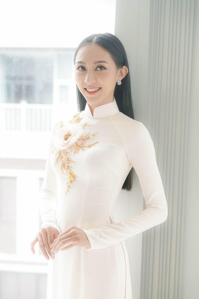 Đám hỏi Lan Khuê, dàn phù dâu toàn các chân dài The Face Việt Nam - ảnh 15