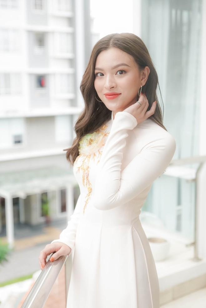 Đám hỏi Lan Khuê, dàn phù dâu toàn các chân dài The Face Việt Nam - ảnh 12