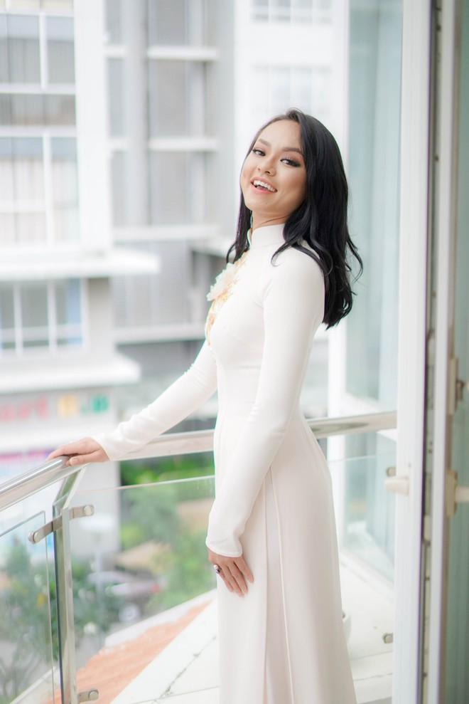 Đám hỏi Lan Khuê, dàn phù dâu toàn các chân dài The Face Việt Nam - ảnh 14