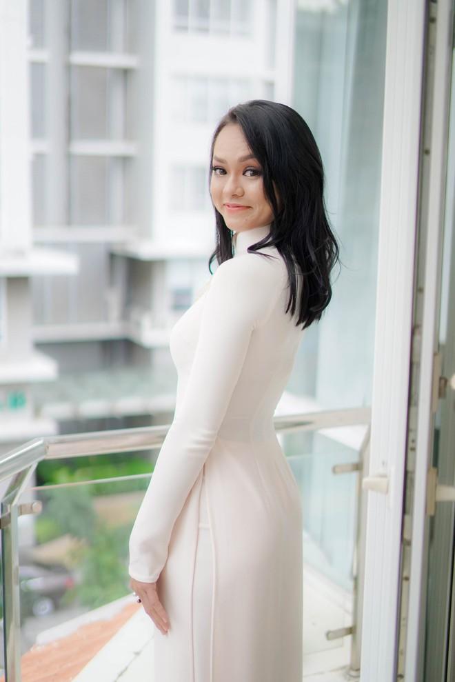 Đám hỏi Lan Khuê, dàn phù dâu toàn các chân dài The Face Việt Nam - ảnh 13