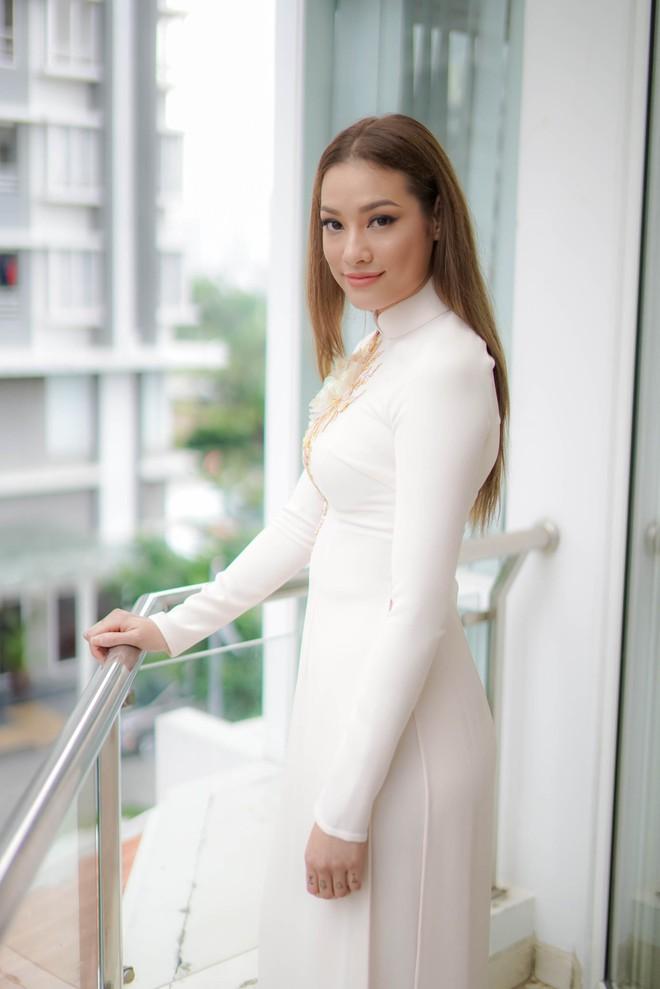 Đám hỏi Lan Khuê, dàn phù dâu toàn các chân dài The Face Việt Nam - ảnh 8