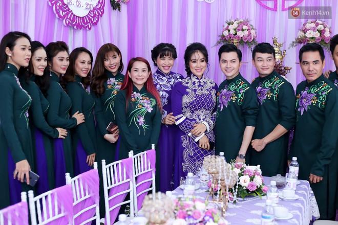 Những dàn phù dâu, phù rể toàn trai xinh gái đẹp khiến đám cưới của sao Việt hot hơn bao giờ hết - Ảnh 13.