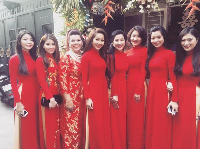 Những dàn phù dâu, phù rể toàn trai xinh gái đẹp khiến đám cưới của sao Việt hot hơn bao giờ hết - Ảnh 7.