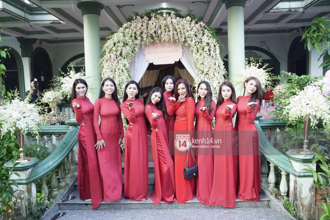 Những dàn phù dâu, phù rể toàn trai xinh gái đẹp khiến đám cưới của sao Việt hot hơn bao giờ hết - Ảnh 5.