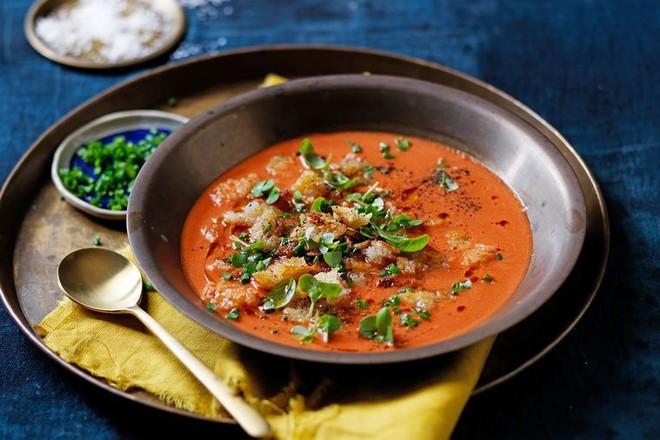 Những món ăn được xem là niềm tự hào của nền ẩm thực ở xứ sở bò tót - Ảnh 2.