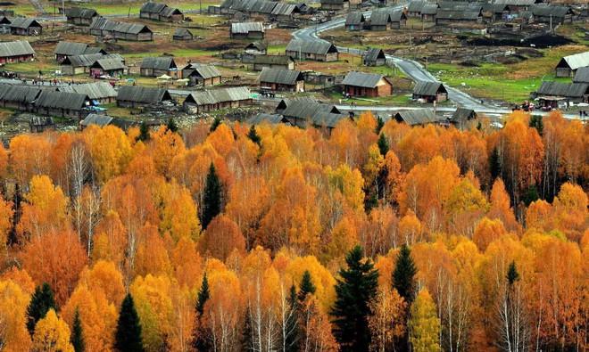 Những ngôi làng cảnh sắc đẹp mê hồn nhất định phải ghé thăm vào mùa thu ở Trung Quốc - Ảnh 5.