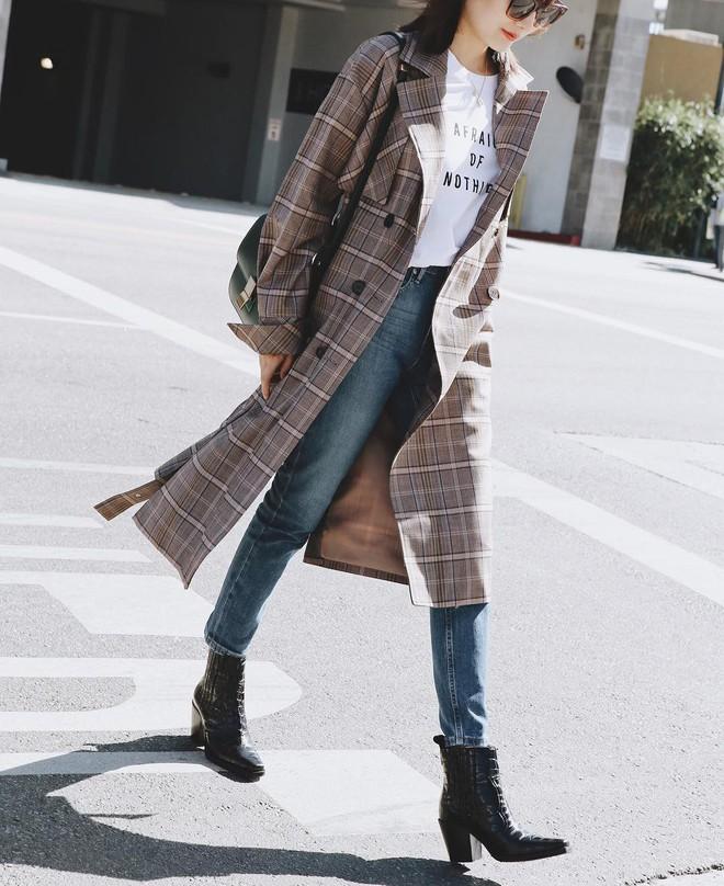 Quanh năm suốt tháng diện quần jeans thì các nàng phải học ngay 4 tips mặc chuẩn đẹp lại giúp kéo dài chân cả tấc này - Ảnh 4.