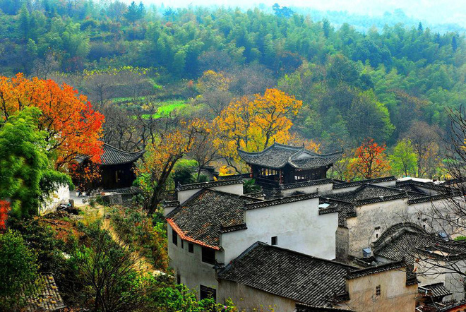 Những ngôi làng cổ cảnh sắc đẹp mê hồn nhất định phải ghé thăm vào mùa thu ở Trung Quốc - Ảnh 1.