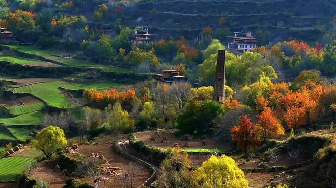 Những ngôi làng cảnh sắc đẹp mê hồn nhất định phải ghé thăm vào mùa thu ở Trung Quốc - Ảnh 14.