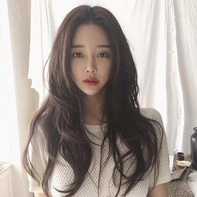 Từ Hương Giang, Hà Tăng đến Châu Bùi, Quỳnh Anh Shyn đều đang lăng xê nhiệt tình tóc ngôi giữa 8