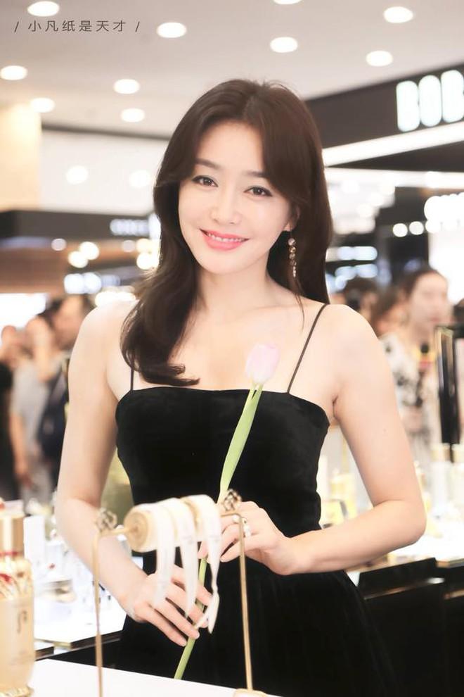 Từ Hương Giang, Hà Tăng đến Châu Bùi, Quỳnh Anh Shyn đều đang lăng xê nhiệt tình tóc ngôi giữa 3